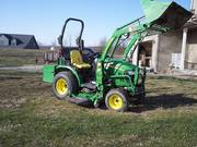 =$2750= 2009 John Deere 2320 4WD w/200CX Loader, Bucket,  Mower,