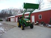 $3700- 2006 John Deere 4320,  Diesel 48HP,  w/400X Loader